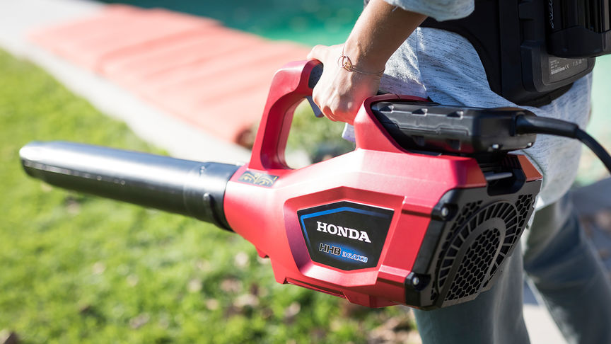 Close up of Honda's cordless leaf blower.