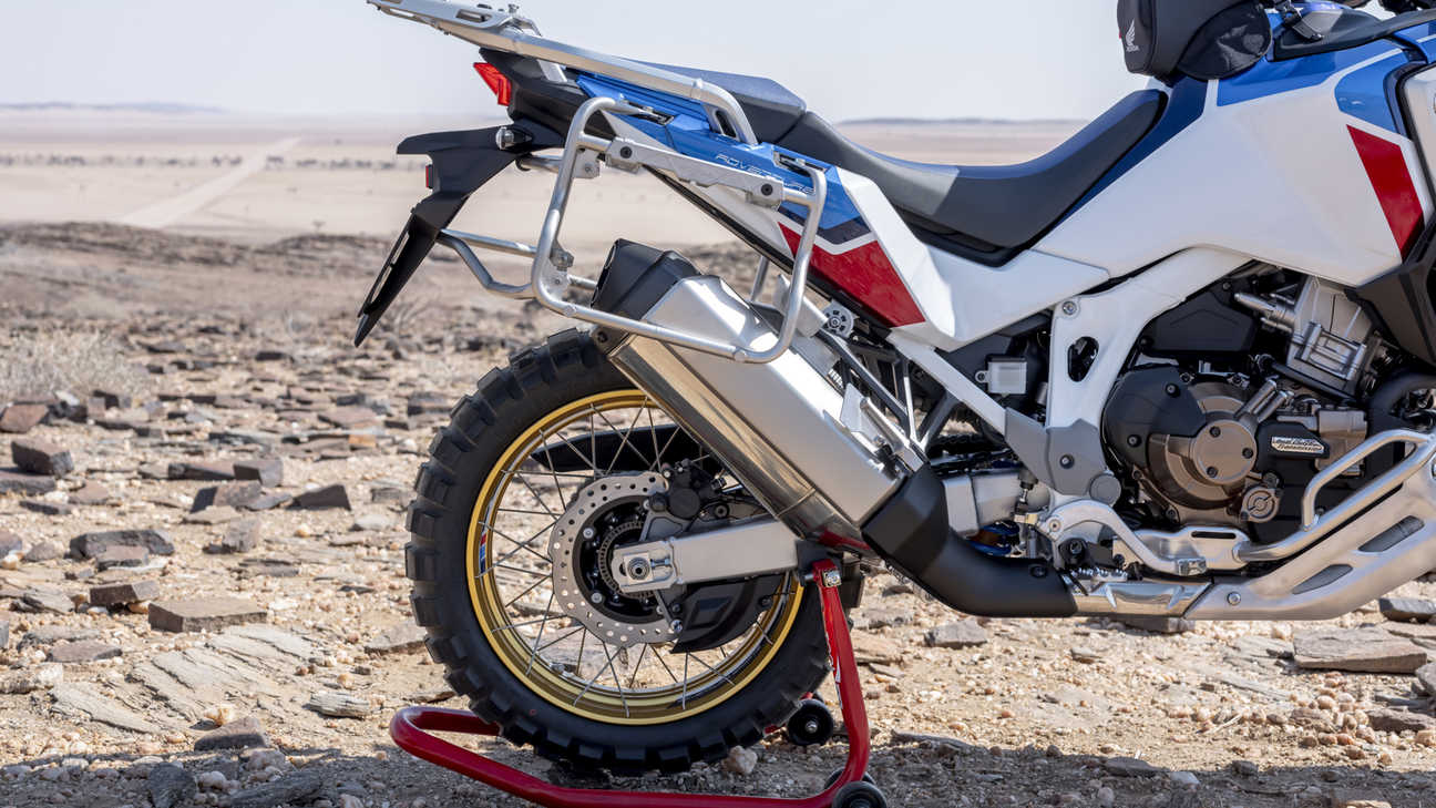 Honda Africa Twin Adventure Sports, Nahaufnahme des Hinterrads.